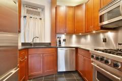 Big 1 bedroom unit by Washington Square park