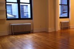 East Village 1 bedroom in a Doorman Elevator Building!