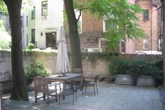 75th/Amsterdam 1 bedroom with huge garden