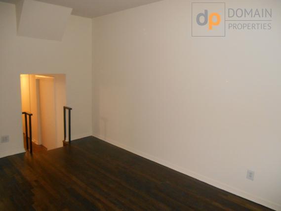 UPPER EASTSIDE Studio Apartment!! NO FEE