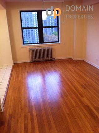 Upper West Side Dorman - large 1 Bedroom