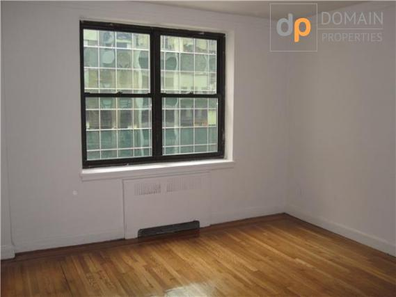 Bright Two Bedroom with 1 Bathroom Newly Renovated Apartment