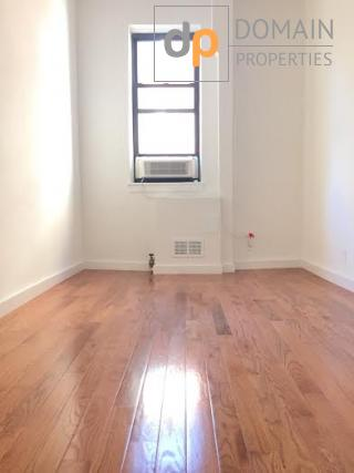 Upper West Side Townhouse One Bedroom with a home office