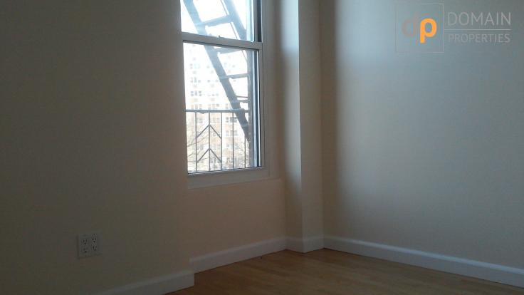 Greenwich Special! One Bedroom over looking 6th Ave!