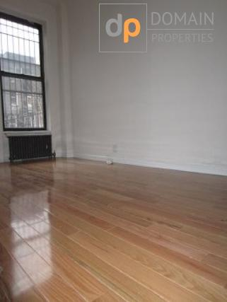 1 bedroom with private terrace Upper West