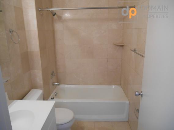Gorgeous Spacious 2 bedroom 2 bathroom apartment