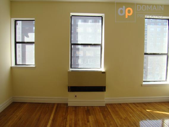 Beautiful Gramercy 1BR in Doorman Building