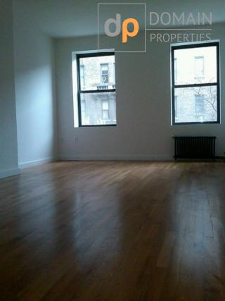 No fee huge 1 bedroom by Central Parl