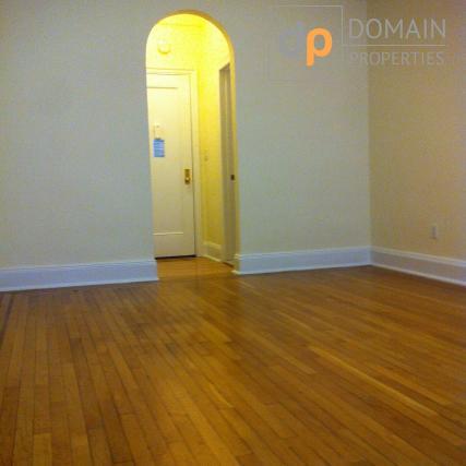 Studio apartment In a Doorman Elevator Building - East Village