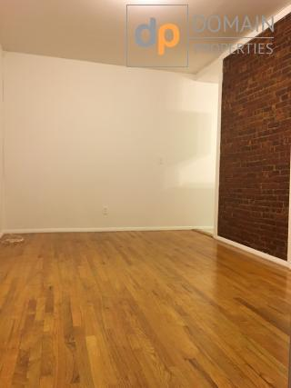 One Bedroom with home office or 2nd bedroom in UES