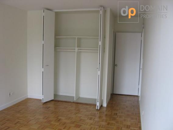 Mid-Town West 1BR 1BA High-Rise Luxury Building