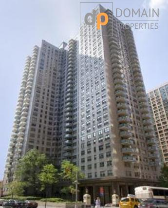 Midtown East Doorman Large Two 1.5 Baths Bedroom Balcony