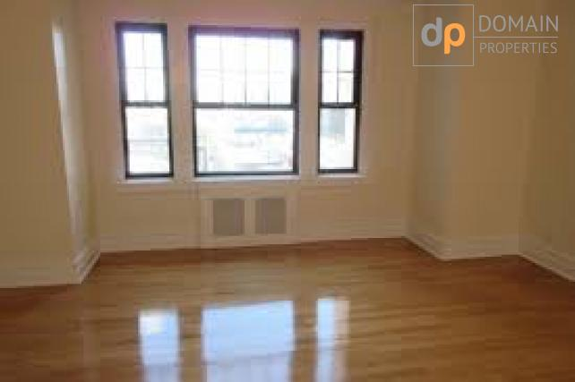 Beautiful NO FEE Alcove Studio/ Terrace/Gas and Electric Included.