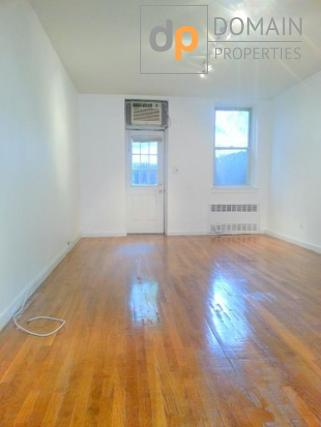 $1880 Beautiful Bright Studio Upper East